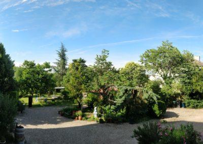 Chateau de Sadillac court yard