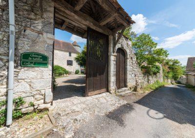 entrance gate chateau de sadillac
