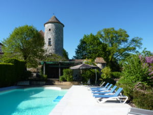 Chateau de Sadillac pool area
